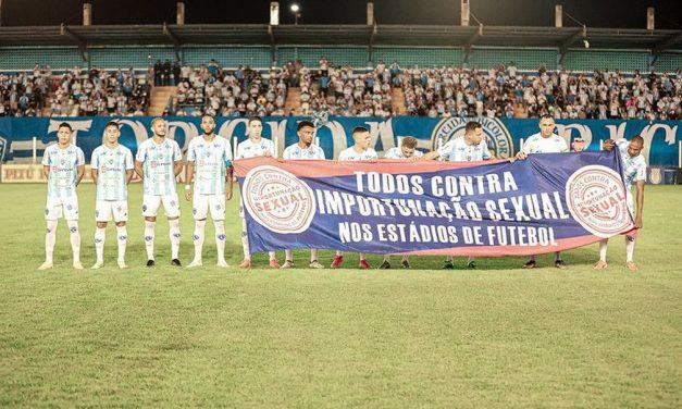 Paysandu demonstra apoio à campanha contra importunação sexual nos estádios de futebol