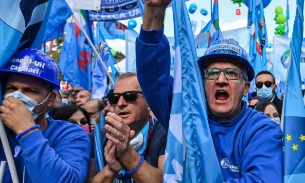 Milhares se reúnem em Roma em manifestação contra fascismo