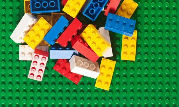 """Adolescente com """"arma"""" feita de Lego gera operação policial na Alemanha"""