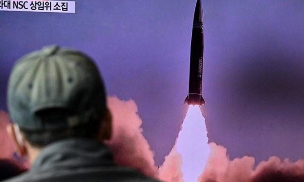 Coreia do Norte lançou míssil balístico de submarino, diz Coreia do Sul