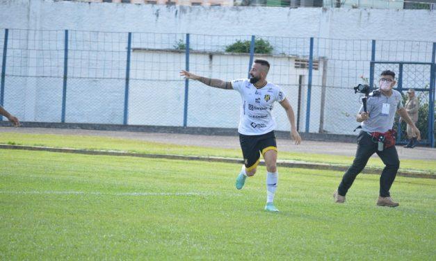 Com dois bonitos gols de Cearense, Castanhal elimina o Mundico na Copa Verde