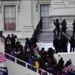 Homem negro recebe sentença mais dura do que a solicitada por encorajar invasão ao Capitólio dos EUA